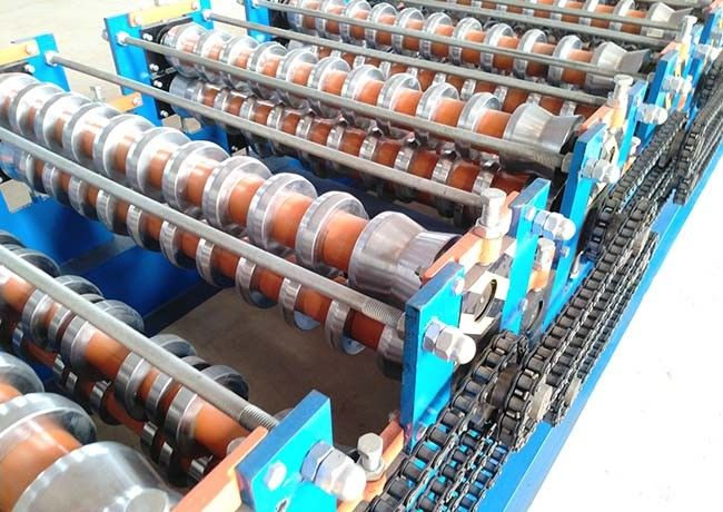 Rib Roof / Corrugated Steel Panel Roll Forming Machine With Hydraulic Driving System