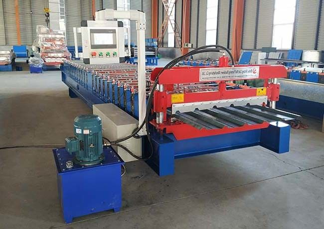 Zinc Plating Colored Steel Profile Roll Forming Machine Speed 20-25 M / Min